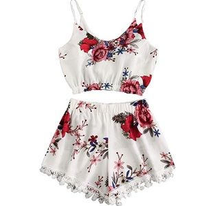 Other - Floral 2 piece crop too and shorts